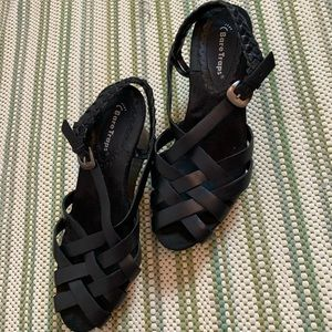 bare traps shoes for women